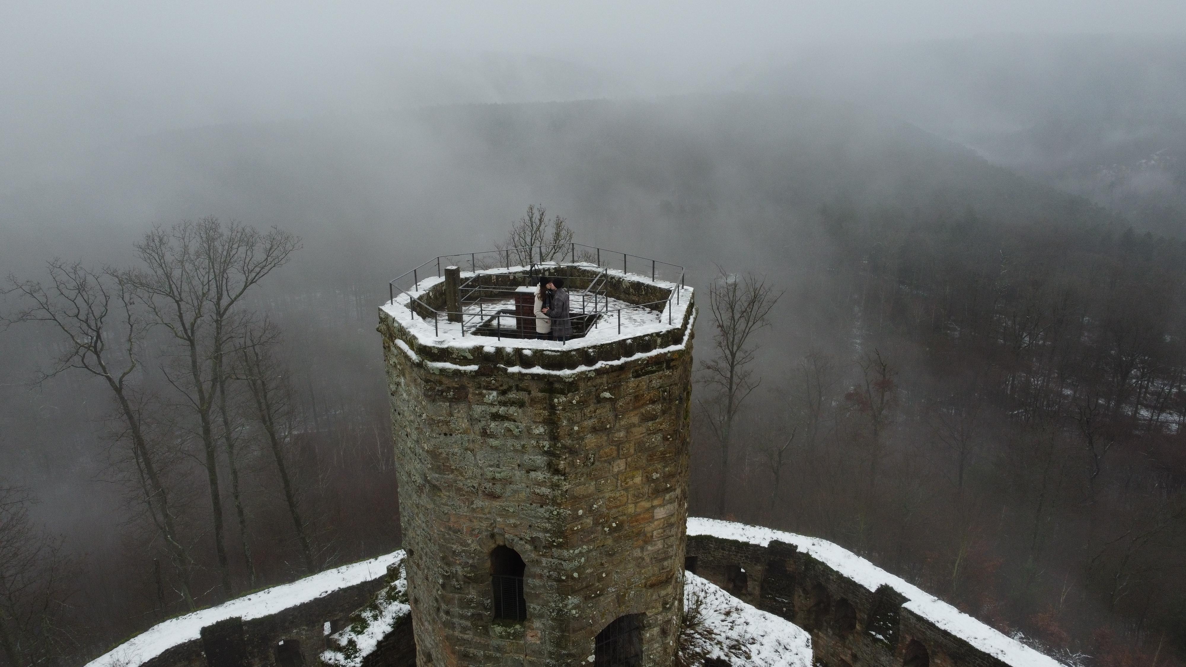 Bergfried der Burg
